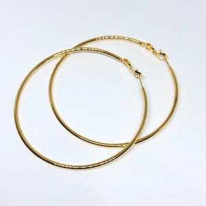 Jewelry - ⭕️Large Golden Hoops